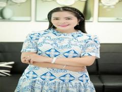 CEO Hoàng Tú Group khoe style thời trang mùa hè sành điệu
