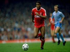 John Barnes: 'Liverpool thành công vì Klopp có thực quyền'