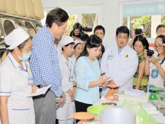 Bệnh nhân tại Viện Y Dược học dân tộc TP. Hồ Chí Minh ngày càng an tâm vì chất lượng khám chữa bệnh không ngừng nâng cao