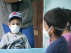 Nghiên cứu tại Anh: Trẻ em ít nguy cơ nhiễm Covid-19 hơn