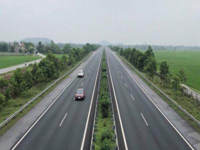 Không chuyển 8 dự án cao tốc Bắc - Nam sang đầu tư công