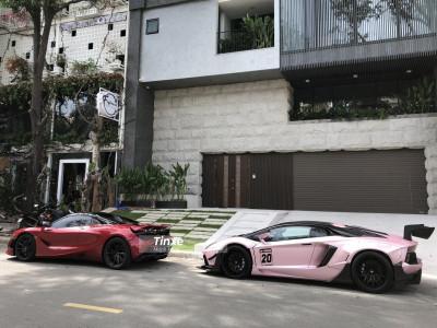 Cặp đôi siêu xe hàng tuyển của đại gia Việt xuất hiện trước biệt thự của Cường