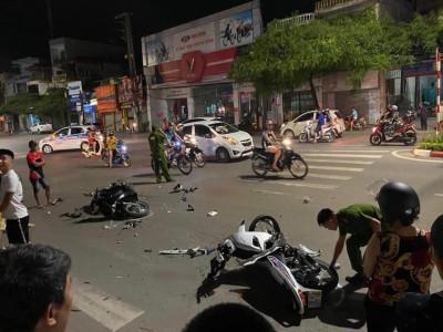 Thái Nguyên: Hai thanh niên đua xe trái phép lạc tay lái tông vào Honda SH, 1 người nguy kịch
