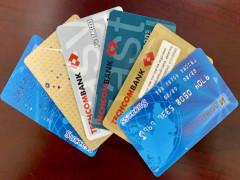 BHXH Việt Nam đẩy mạnh chi trả lương hưu, trợ cấp BHXH và BHTN không dùng tiền mặt qua hệ thống ngân hàng