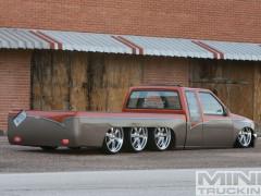 Trucktopus - Chiếc bán tải 8 bánh quái dị mà mất tới 20 năm để chế tạo