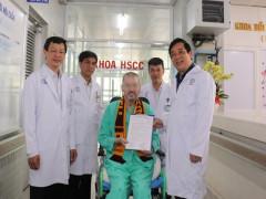 Reuters: Chữa khỏi cho phi công người Anh là minh chứng cho thành công của Việt Nam