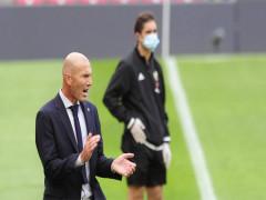 Zidane mệt vì bị nói thắng nhờ trọng tài