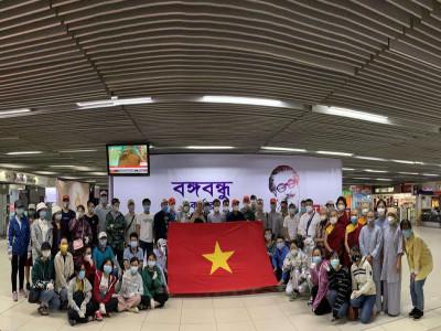 Chống dịch Covid-19 thành công: Cơ hội quý hơn vàng cho Việt Nam