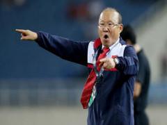 Khoảng trống vô định phía sau đội tuyển Việt Nam