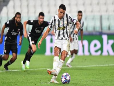 Ronaldo phá kỷ lục 86 năm