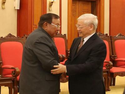 Tổng Bí thư, Chủ tịch nước Nguyễn Phú Trọng điện đàm với người đồng cấp Lào
