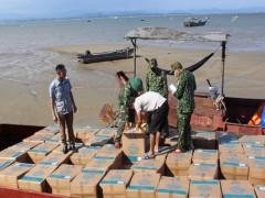 Quảng Ninh: Liên tiếp bắt giữ 05 đò máy chở số lượng khủng thuốc lá ngoại và thảo dược trái phép ở khu vực cửa sông Bắc Luân