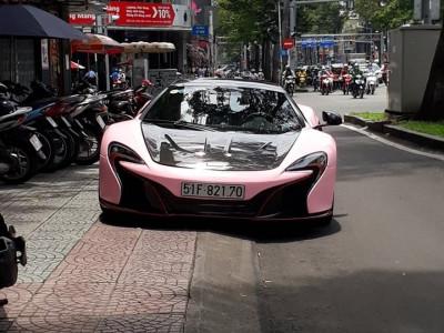 McLaren 650S Spider độ nắp capô McLaren P1 lên bộ áo hồng nữ tính, lý lịch của xe mới đáng bàn