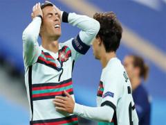 Ronaldo bị nghi phạm luật phòng dịch