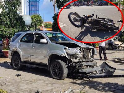Nha Trang: Sau va chạm với xe máy, Toyota Fortuner tông ghế đá, lao thẳng vào sân Nhà thờ Núi