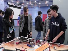 Tech Fair 2021 - Triển lãm Khoa học hấp dẫn thu hút các bạn trẻ Thủ đô