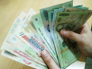 Tiền lương tháng có căn cứ theo số ngày công?