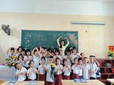Xây dựng lớp học hạnh phúc: Hãy bắt đầu từ trái tim biết cho đi yêu thương
