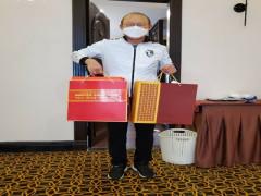 HLV Park Hang Seo nhận quà Tết từ Thủ tướng Nguyễn Xuân Phúc