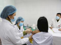 Thêm 2 ca mắc COVID-19 tại Hải Dương, 4 trường hợp phản vệ tiêm vaccine COVID-19