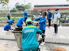 Tuổi trẻ phường Cẩm Sơn ra quân dọn vệ sinh môi trường, khơi thông suối Cầu 2