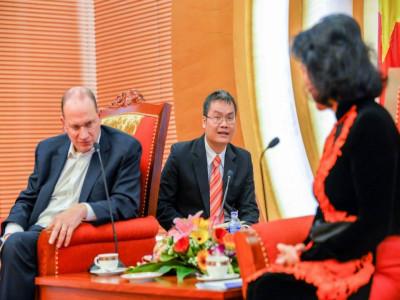 Giữ gìn sự trong sáng của tiếng Việt: Chúng ta có quá tự ti khi dùng tiếng Việt?