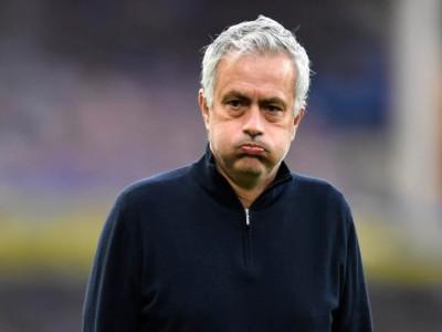 Rooney: 'Tottenham bị điên khi sa thải Mourinho trước chung kết'