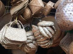 Ấn tượng ngôi chợ bán đồ gia dụng đặc biệt nhất giữa lòng Thủ đô