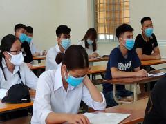 Bộ GD-ĐT yêu cầu tổ chức tốt việc ôn thi cho HS lớp 12 kết hợp trực tuyến và trực tiếp