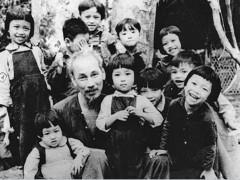 Kỷ niệm 131 năm Ngày sinh Chủ tịch Hồ Chí Minh (19/5/1890-19/5/2021)  Tháng Năm nhớ Bác