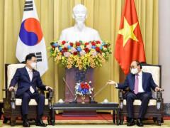 Chủ tịch nước tiếp Bộ trưởng Ngoại giao Hàn Quốc Chung Eui Yong