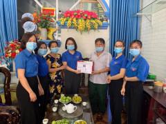 Tuổi trẻ Huyện Thanh Sơn  thăm hỏi tặng quà gia đình chính sách