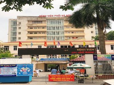 Hà Nội: Ấm lòng những suất cơm yêu thương gửi tặng Bệnh viện Phổi trong thời gian thực hiện cách ly y tế