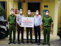 Hội Doanh nhân trẻ Việt Nam và KIDO tặng kít xét nghiệm cho phòng CSHS - Công an TP. Hồ Chí Minh