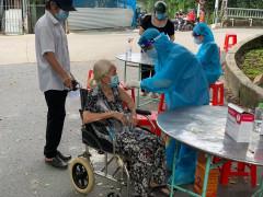 Sở Y tế TP.HCM ban hành kế hoạch tiêm chủng vắc-xin phòng COVID-19 đến ngày 15/9