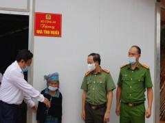 Niềm vui dọn về ngôi nhà mới của 100 hộ nghèo huyện Trạm Tấu