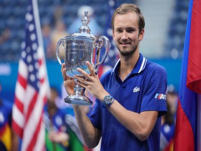 Djokovic thua sốc Medvedev ở chung kết US Open 2021