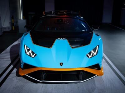 Lamborghini Huracan STO chính thức đặt chân đến Đông Nam Á với giá rẻ giật mình, chỉ từ 23 tỷ đồng