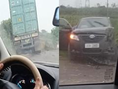 Video: Xe container lao sang làn đường ngược chiều, tông trúng Toyota Camry tại Hưng Yên