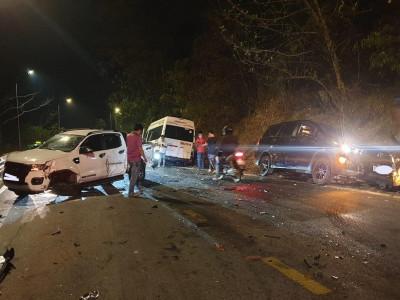 Lâm Đồng: Tai nạn liên hoàn trên đèo Bảo Lộc khiến giao thông ùn tắc nghiêm trọng