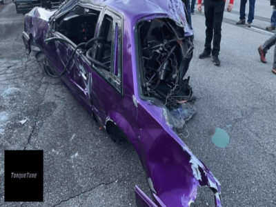 Ford Mustang gặp tai nạn đứt làm đôi trên đường đua drag, người lái may mắn thoát hiểm vô sự