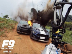 Theo dõi video hậu trường các cảnh hành động bằng xe bùng nổ của bom tấn