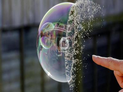Bong bóng bất động sản là gì? Các yếu tố hình thành bóng bóng bất động sản?