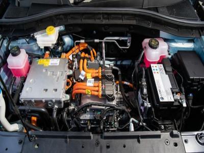 Bảo trì bảo dưỡng xe ô tô điện như thế nào? Có tốn kém như bảo dưỡng xe ô tô bình thường không?