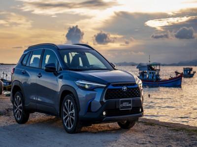 """""""Nhậu chay không lạc"""", khách đặt mua Toyota Corolla Cross phải chờ đến tháng 10 mới có xe"""