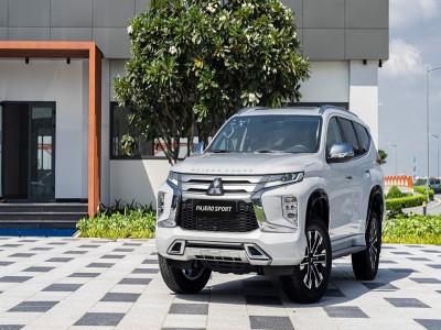 """""""Hai bút cùng vẽ"""" giúp giá Mitsubishi Pajero Sport giảm tới 120 triệu đồng"""