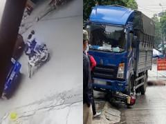 Video quay khoảnh khắc xe máy kẹp 3, lao thẳng vào gầm xe tải khiến 3 học sinh thương vong