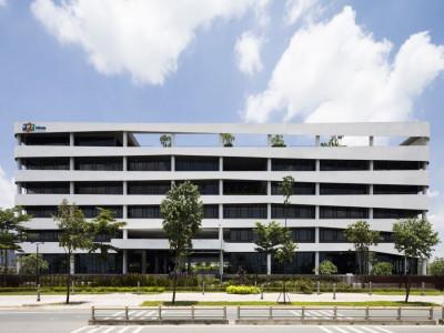 Tòa nhà tổ hợp văn phòng hiện đại giao thoa nhiều văn hóa tại quận 9